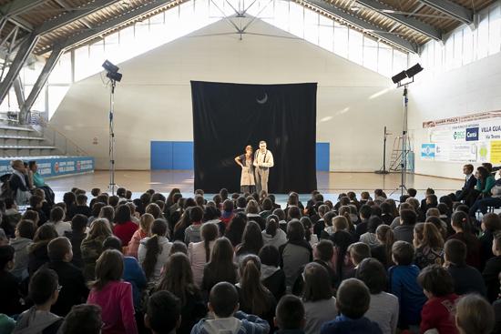 Elogio della differenza AGE-MLT-teatro-primaria-allebonicalzi-7
